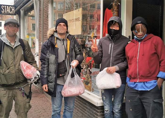 Image with news article: NOW_Christmas for the homeless street cleaners ❤️❤️❤️!